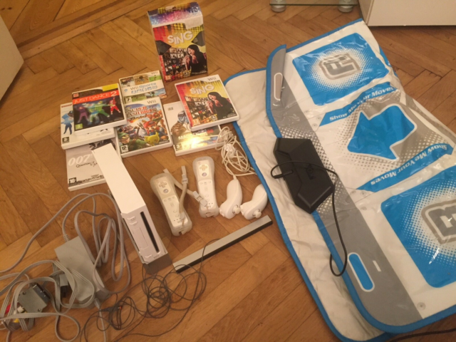 Nintendo Wii, Perfekt, WII CONSOLE WITH ACCESORIES AND…