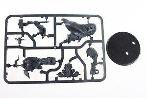 Warhammer-40k-Blackstone-Fortress-Chaos-Lord-Obsidius-Mallex-plastic-miniature
