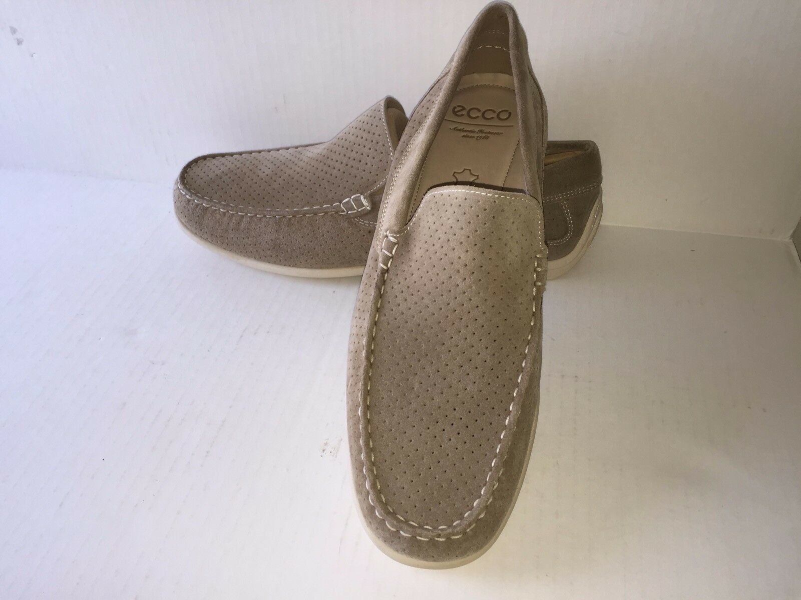 ECCO CLASSIC MOC, Beige Suede loafer, Mens, Quality, 57103415631, NEW in BOX