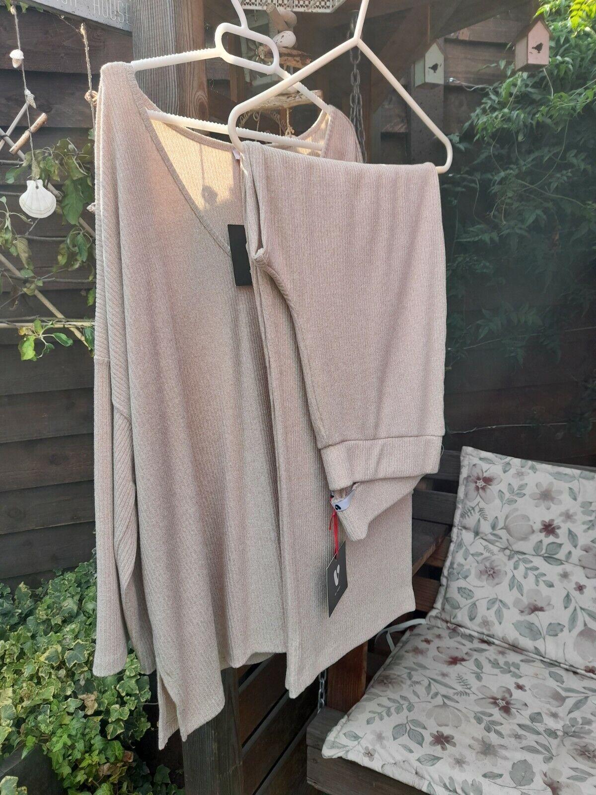 Loungewear set BNWT 20 top 16 bottoms
