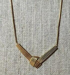 Vintage-Goldtone-Necklace-By-Trifari
