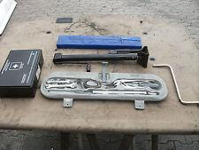 BMW E36 Bordwerkzeug Werkzeug Wagenheber Radschlüssel Warndreieck Verbendskasten