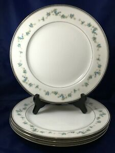 4-Noritake-Fine-China-3131-Nanette-10-1-2-034-Dinner-Plates-Forget-Me-Not-Flowers