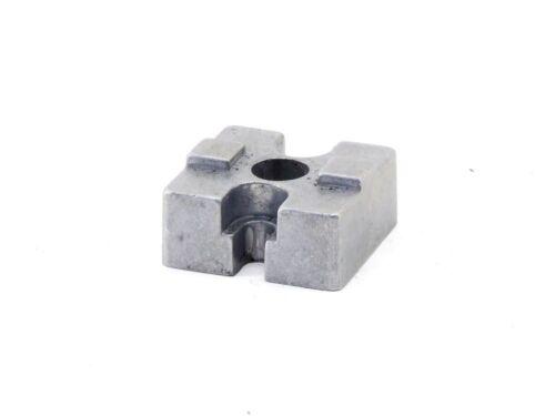 Bosch profilé B = 30x30 H = 13 mm carrée Bride Port Flèche de renvoi-Profil-élément