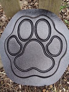Dog-paw-plastic-mold-concrete-plaster-garden-mould-9-5-034-x-9-5-034-x-75-034