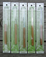 SUSAN BATES BAMBOO HANDLE CROCHET HOOK SET - ALL 5 HOOKS, SIZES B C D E F