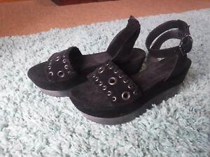 Saints Yuki 7 40 Bnwob Amazing All Taille Sandals Noir 5EPW5wRq6