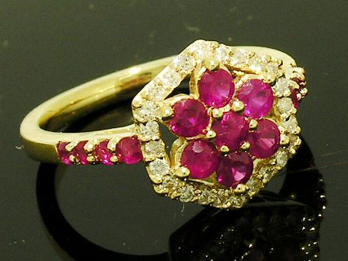 R113- SUPERB 9ct SOLID gold NATURAL Diamond & Ruby Ring Blossom Cluster size N