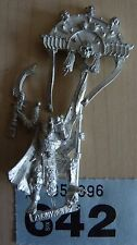 WHFB  TOMB KINGS ARMY LICHE PRIEST ICON STANDARD BEARER OOP RARE #641 INCOMPLETE
