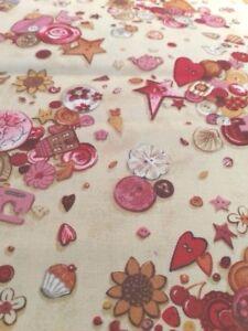 Coupon-tissu-Patchwork-imprime-Makower-boutons-fantaisies-fil-couture-45-55cm