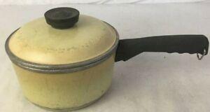 Vintage-Club-Aluminum-Harvest-Yellow-2-Quart-Sauce-Pan-Pot-With-Lid-Cookware
