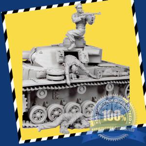Details about 1/35 German tank soldiers Set In Battle World War II Model  scene Model Kit
