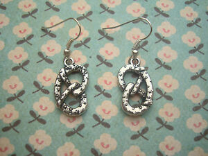 FUNKY-SILVER-PRETZEL-EARRINGS-KITSCH-CUTE-RETRO-FAST-FOOD-SNACK-SWEET