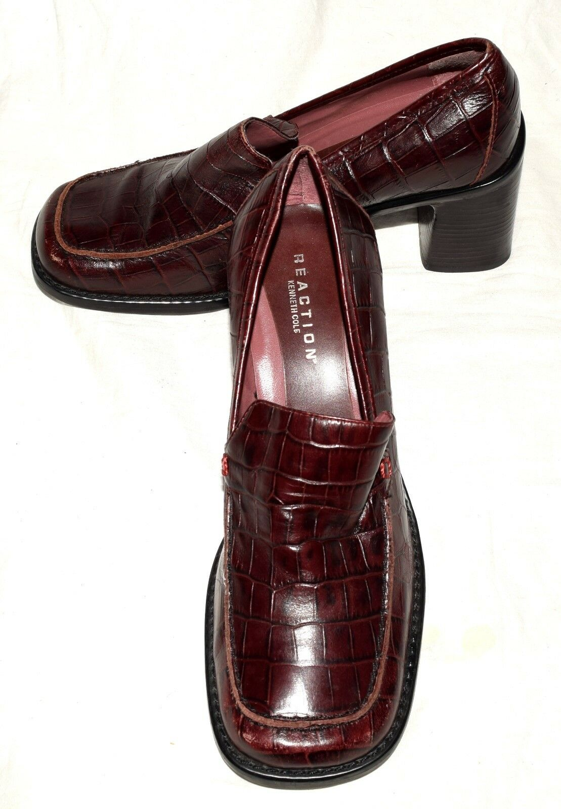 Kenneth Cole Reaction Roll Call Burgundy Croc Embossed Leather Loafer Heels Sz 6