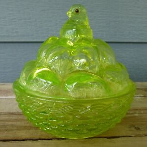 GLOWS YELLOW Glass VASELINE Westmoreland CHICK On EGG Pile HON Basket SUMMIT Hen