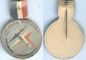Insigne-de-journees-1914-1918-Journee-nationale-de-l-039-air-tout-carton