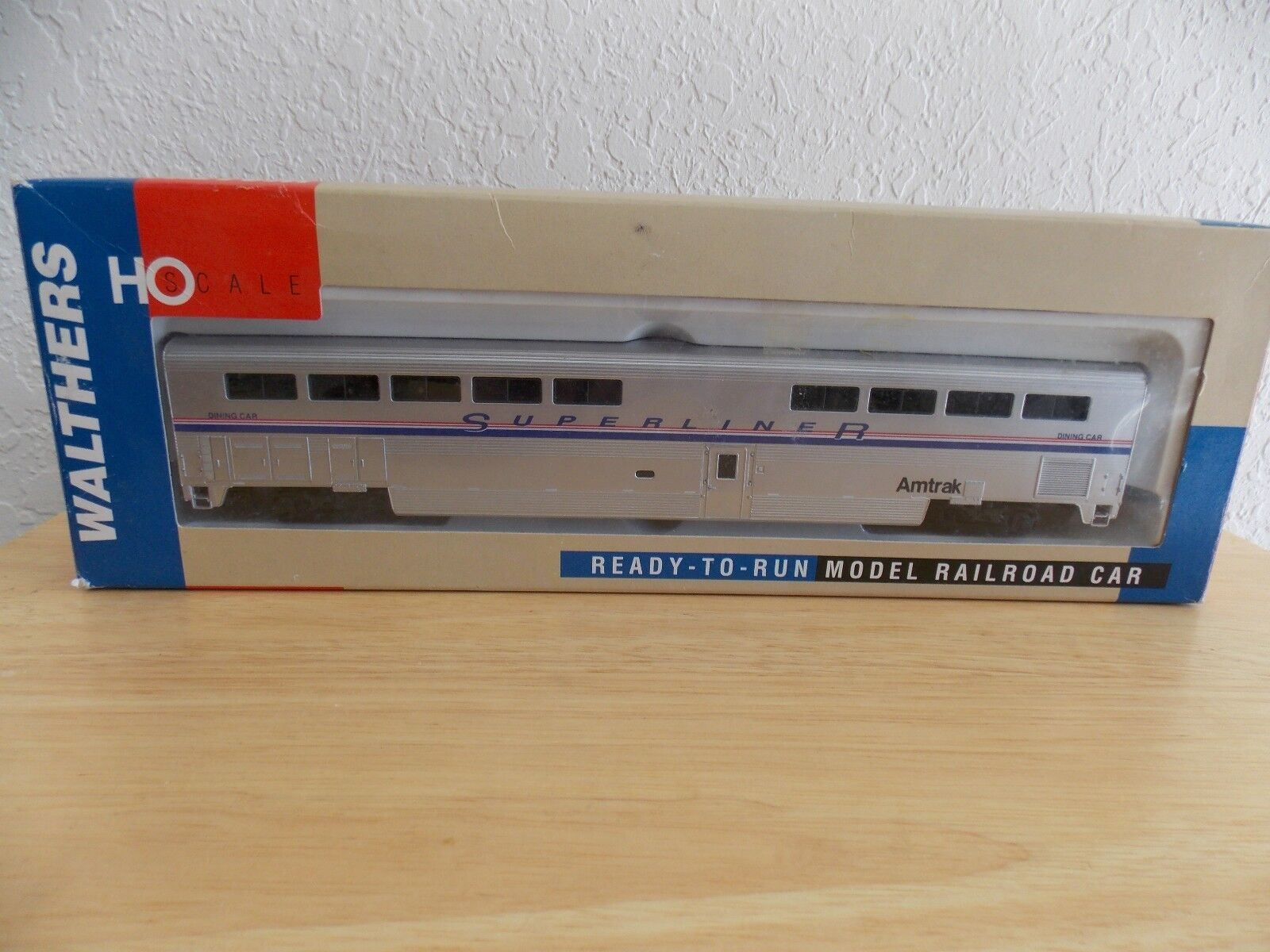 "Walthers HO Scale 85"" Superliner II Dining Car"