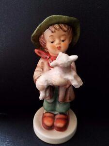 Goebel-Hummel-Figurine-The-Lost-Sheep-68-2-0-4-1-2-034-h