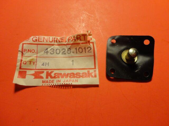 NOS Kawasaki Carburetor Diaphragm Pump KZ1000 KZ650 43028-1012