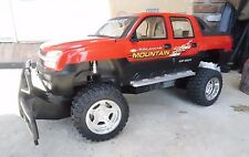 VINTAGE CHEVROLET AVALANCHE ROCK CRAWLER NEW BRIGHT RC REMOTE CONTROL 1/6 TRUCK