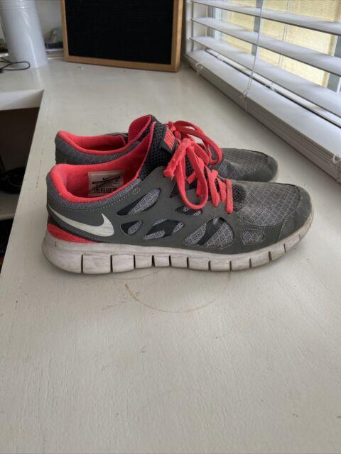 nike tennis shoes sz 9