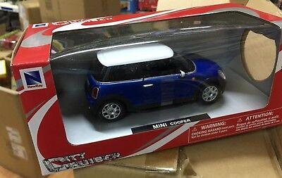 Fiat 500 Nera Die-Cast City Cruiser New Ray 1:43