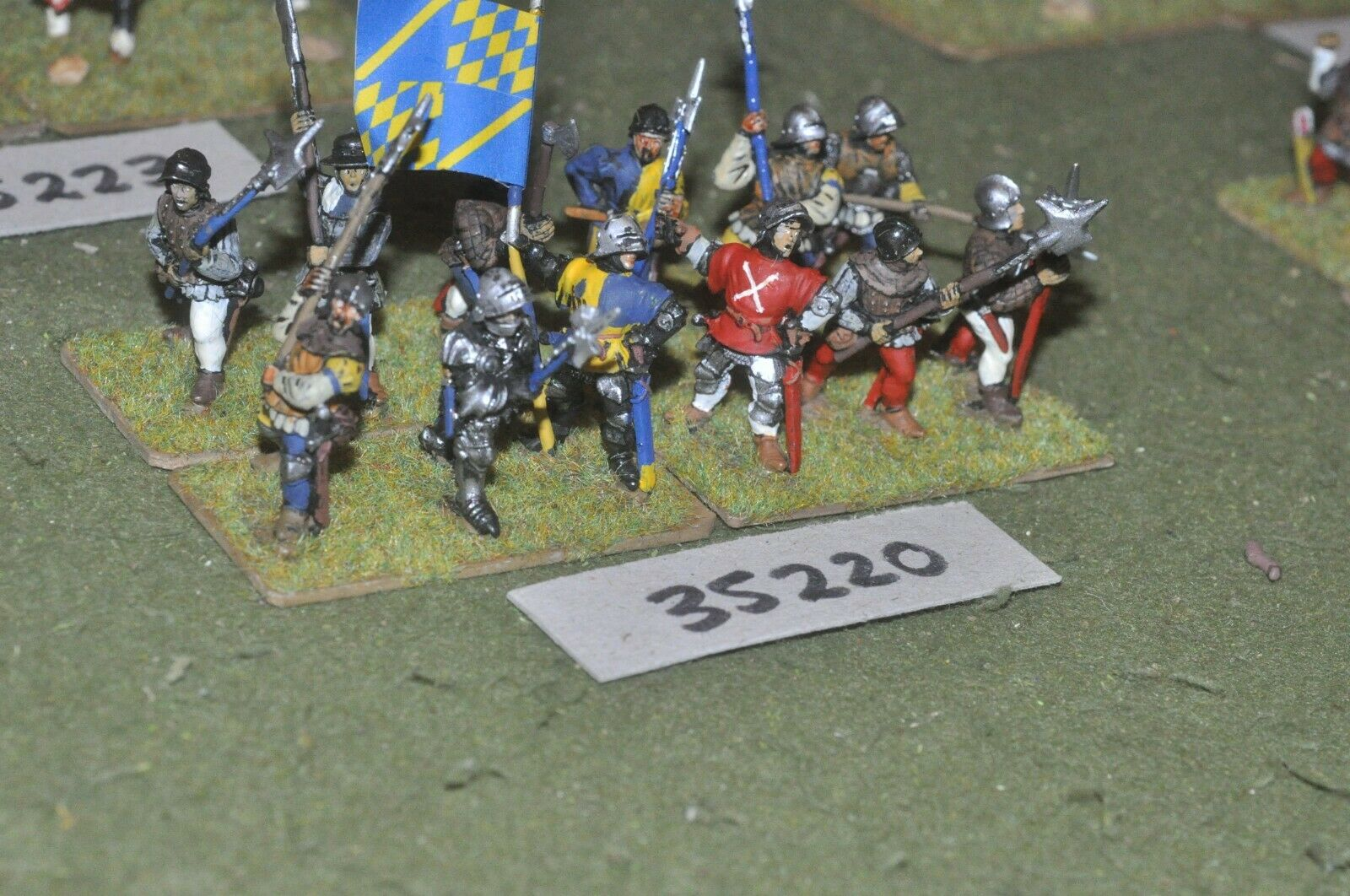 25mm medieval   burgundian - halberdiers 12 figures - inf (35220)