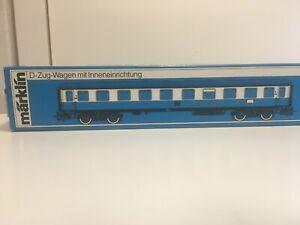 D-Zug-Wagen-4051-von-Maerklin
