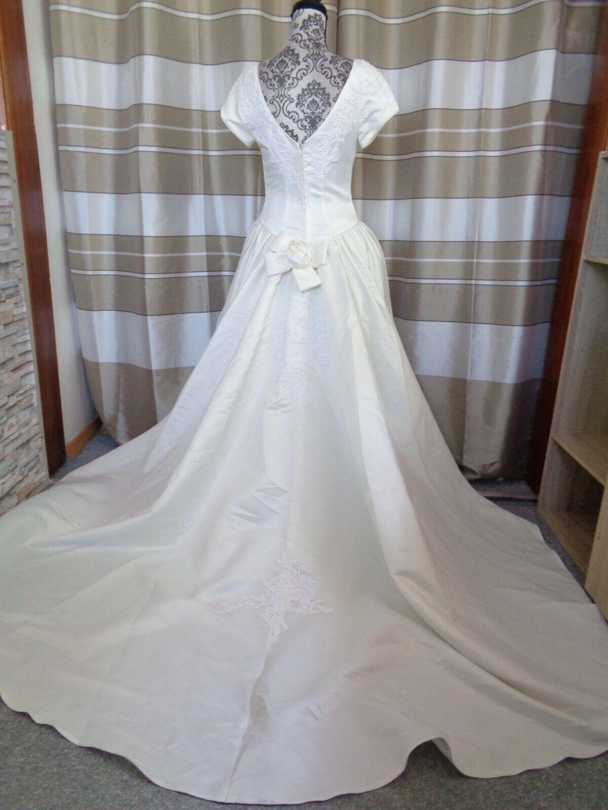 (89)Edles Damen Braut Standesamt Abend Kleid GR: 38