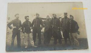 Carte-Postale-PHOTO-Militaria-Groupe-de-Militaires-devant-campement-Tentes