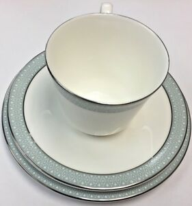 Royal-Doulton-039-Etude-039-Trio-Tea-Cup-Saucer-and-Side-Plate-Good-Condition-UK