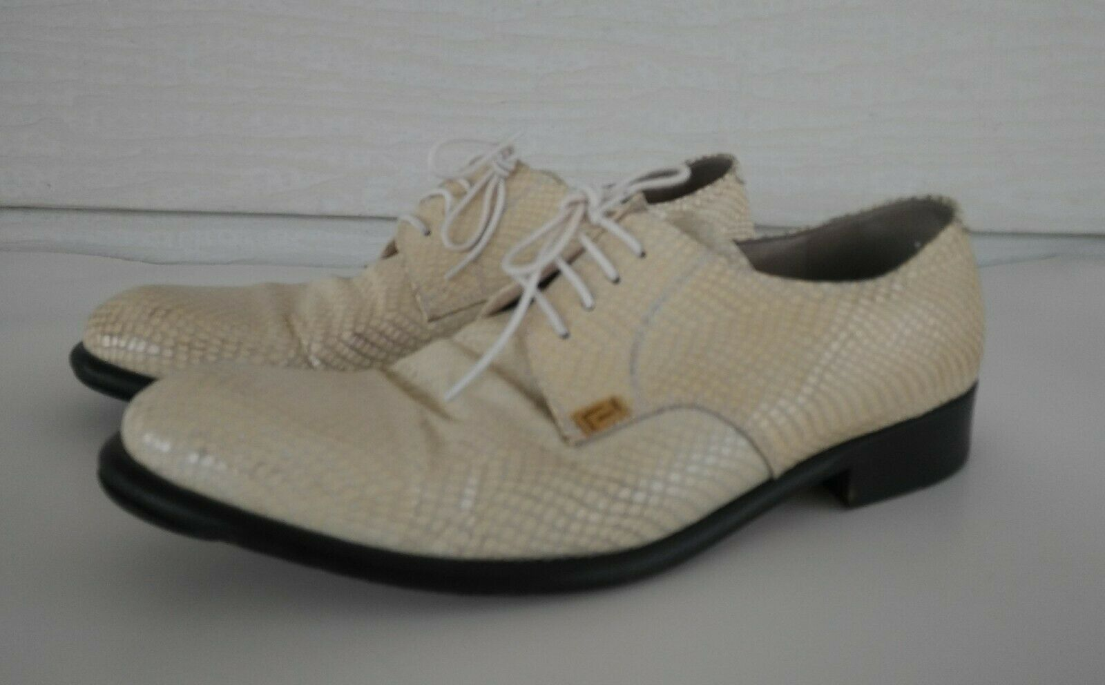 Gianni Versace Men's White Leather Couture Vintage Designer Dress shoes Size 9