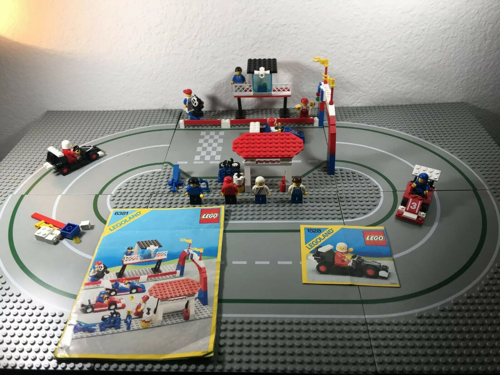 Lego Vintage Town 6381 Motor Speedway Racing Oval With Extra Stuff