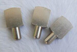 Lot-de-3-taquets-d-039-etageres-anciens-Metal-argente