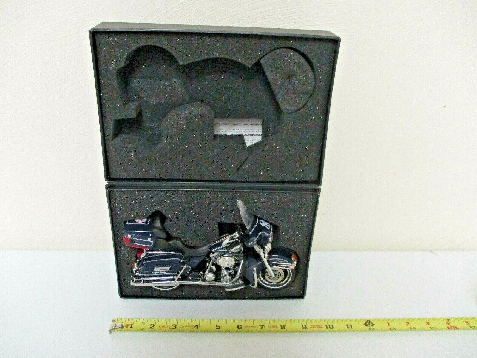 Harley-Davidson New York Yankees Ultra Classic Electra Glide By DCP 1 12 Scale