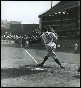 Babe-Ruth-1932-New-York-Yankees-Type-1-Original-Photo-PSA-DNA-Crystal-Clear