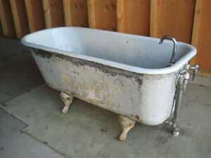 antique cast iron clawfoot tub 4 1 2 foot includes feet