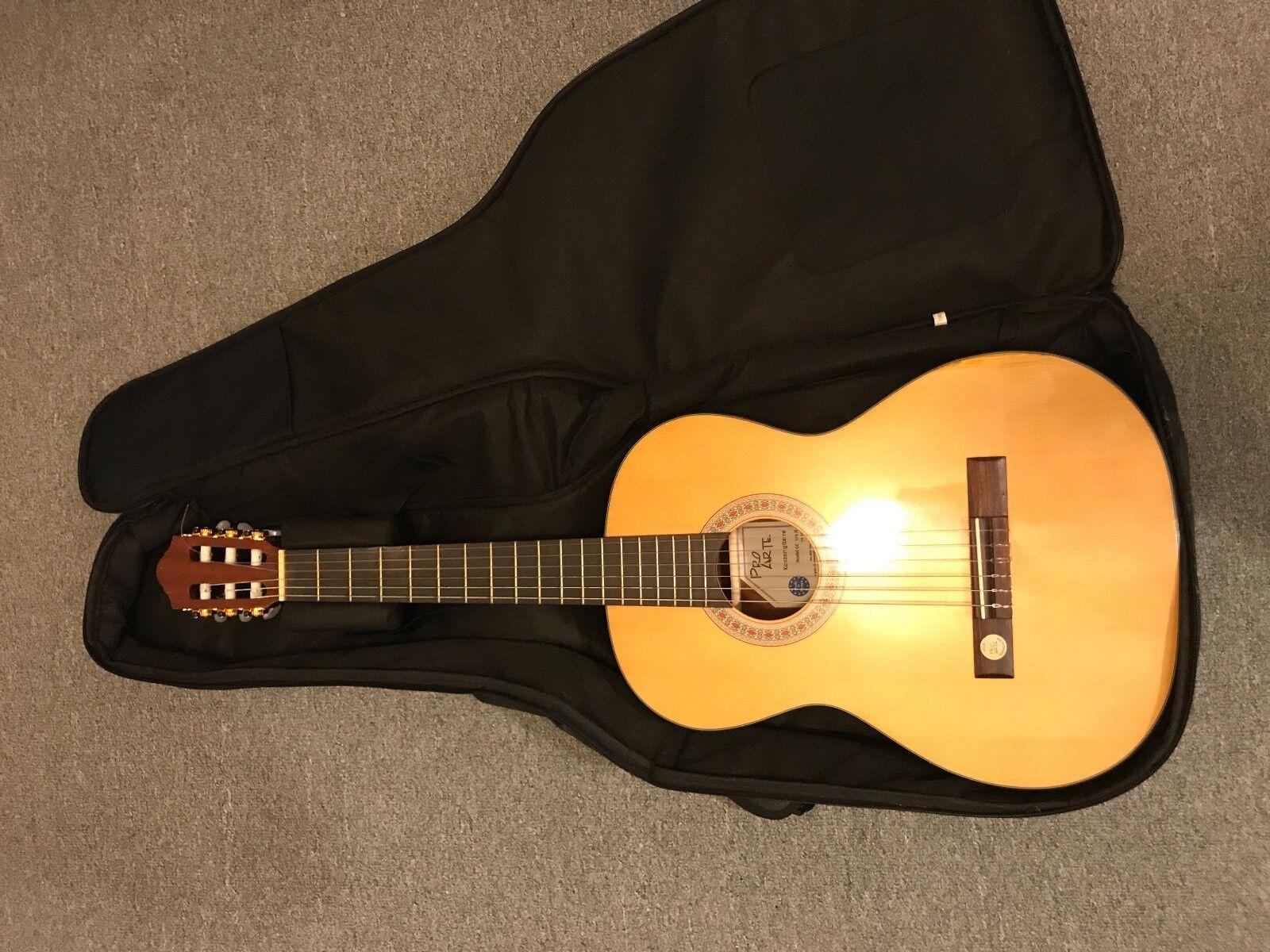 7/8, wunderschöne Konzert-Gitarre Pro Arte GC-100 II in top Zustand