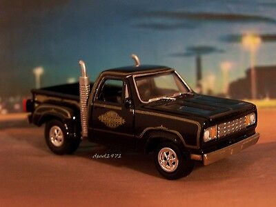 1978 78 DODGE MIDNIGHT EXPRESS PICKUP TRUCK  COLLECTIBLE MODEL -1/64 DIORAMA