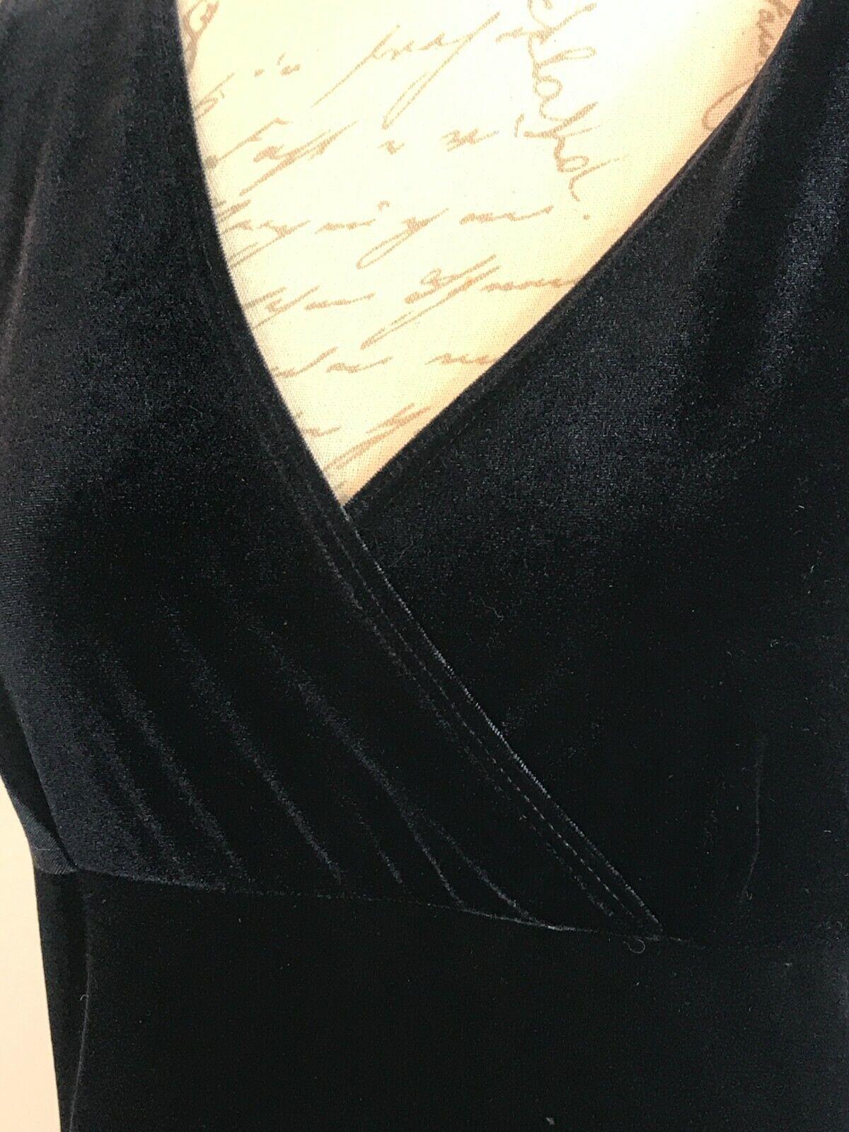 1990s VINTAGE SLINKY BLACK STRETCH VELVET MAXI EV… - image 6