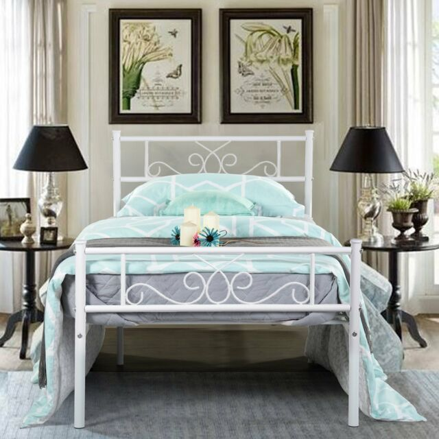 455646180eac9 Full size Complete Metal Canopy Bed with Scroll-work and Ball Finials for  sale online