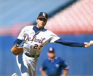 MIKE MYERS    DETROIT  TIGERS  SIGNED  8X10 PHOTO