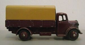 Dinky 413 - Austin Wagon - Original Model in nice condition (DT2037)