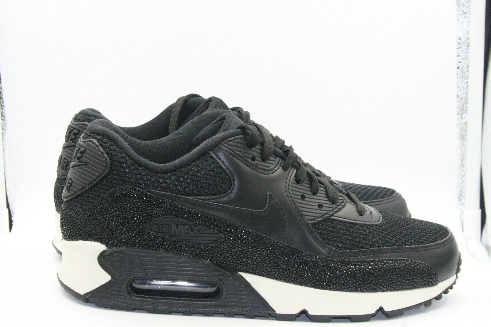 Nike Air Max 90 Stingray Pack Size 9 Black White