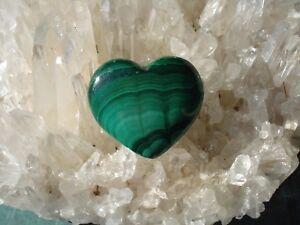 Malachite-Heart-From-Africal-Emerald-Green-Strong-Heart-Energy