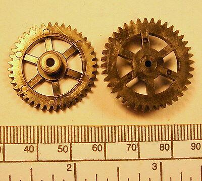 33mm diameter x 9,5mm long Gear black nylon 66 2mm bore 50 teeth