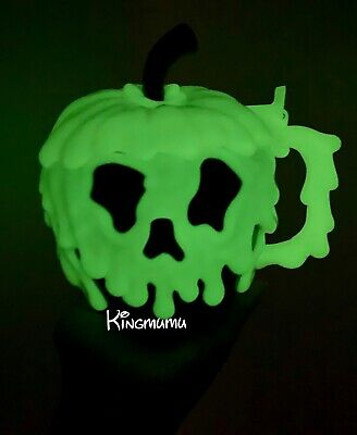 Disney Parks Evil Queen Poison Green Apple Glow In the Dark Halloween Stein Mug