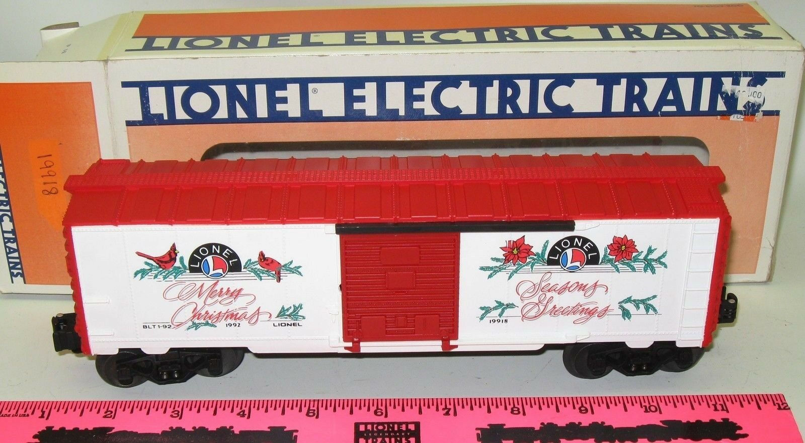 New Lionel 6-19918 Christmas Boxcar