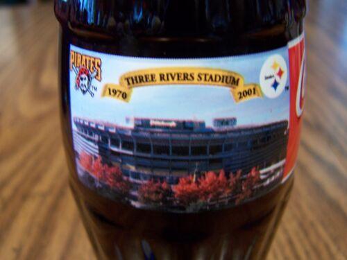 1-8 Oz Coke Bottle 1970-2001 THREE RIVERS STADIUM Pirater /& Steelers