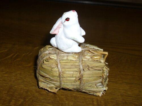 Dulce conejo//liebre con fardos 2 miniatura 1:12